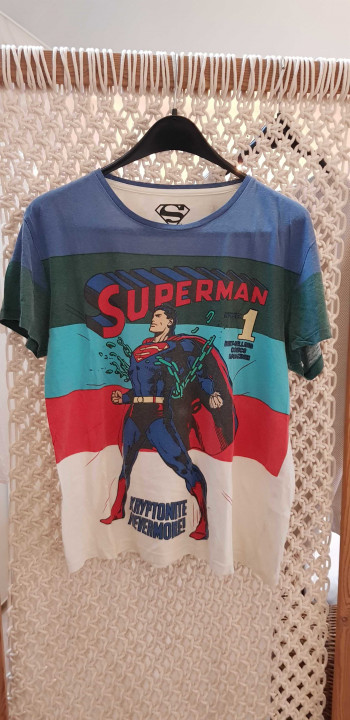 Image article t-shirt Superman tailler M
