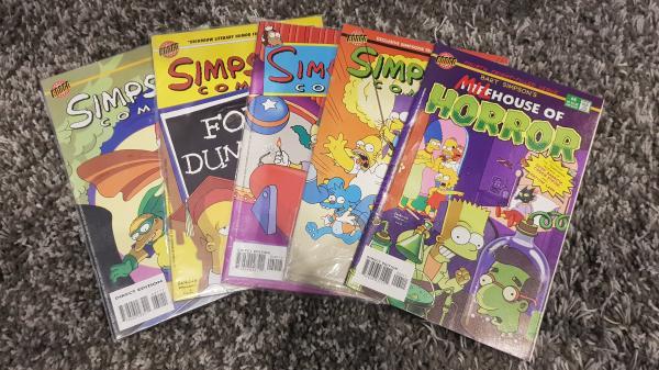 Image article Lot de 5 comics simpsons 1997
