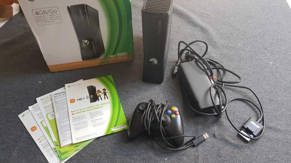 Image article Console Xbox 360 en boite